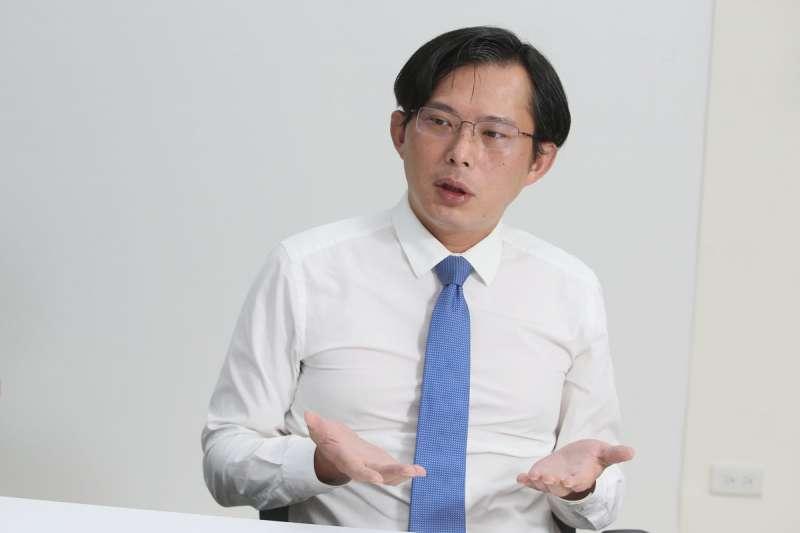 黃國昌原不想管中天案,但沒想到NCC表現太爛。(柯承惠攝)