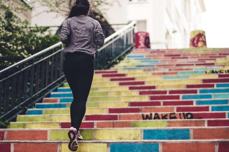運動的最佳時機是早上還是晚上呢?(圖/Unsplash)