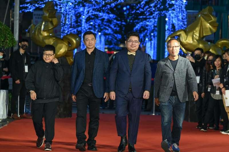 20201105-左起為監製葉如芬、鍾孟宏,《同學麥娜絲》導演黃信堯、《腿》導演張耀升。(金馬執委會提供)