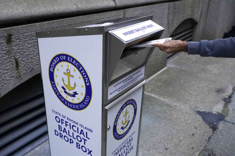 2020美國大選綁公投:羅德島州通過正名公投。(AP)