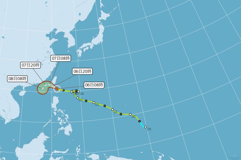 中央氣象局公告,輕度颱風閃電6日最接近台灣。(圖/取自中央氣象局)