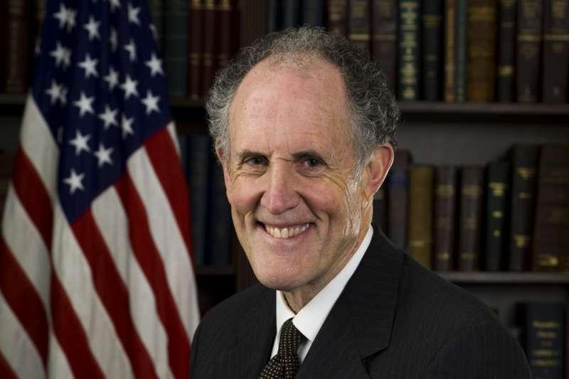 2020年美國總統大選,拜登政權交接團隊領導人考夫曼(Ted Kaufman)(Wikipedia / Public Domain)
