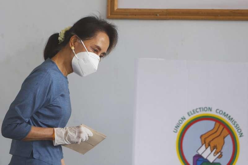 緬甸國會大選8日登場,預料實際領導人、國務資政翁山蘇姬的政府可再度執政。(AP)