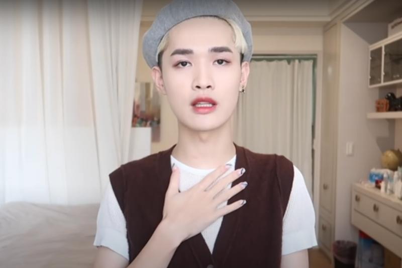 鍾明軒昨日(7日)上傳影片為自己的偏激言論道歉。(圖/取自鍾明軒@Youtube)