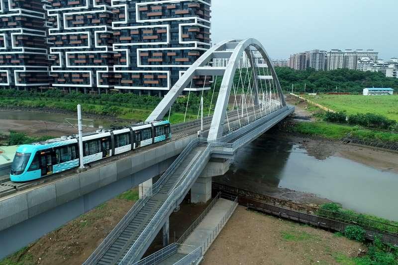 淡海新市鎮房價近三年穩定從1字頭攀升至2字頭。(新北政府提供)