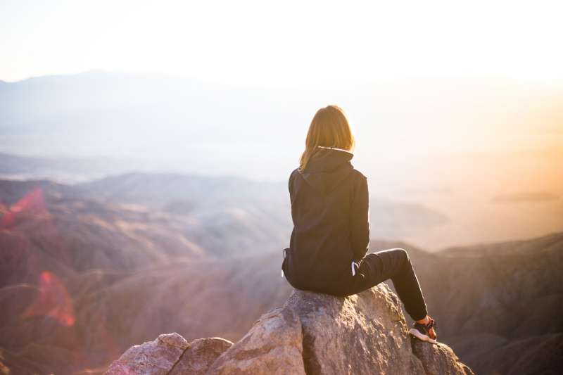 透過儀式感,能讓我們放下焦慮,找回生活的理想節奏。(圖/取自Unsplash)