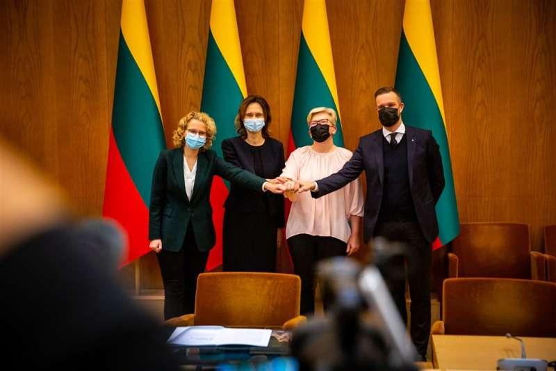 立陶宛新執政聯盟9日決議支持「為自由而奮鬥」的台灣人民。(取自facebook.com/tslkd)