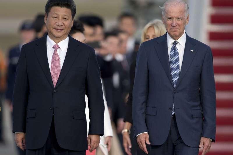 拜登(右)和習近平(左)曾有過8次會面,其家族在中國的政商關係也備受檢驗。(美聯社)