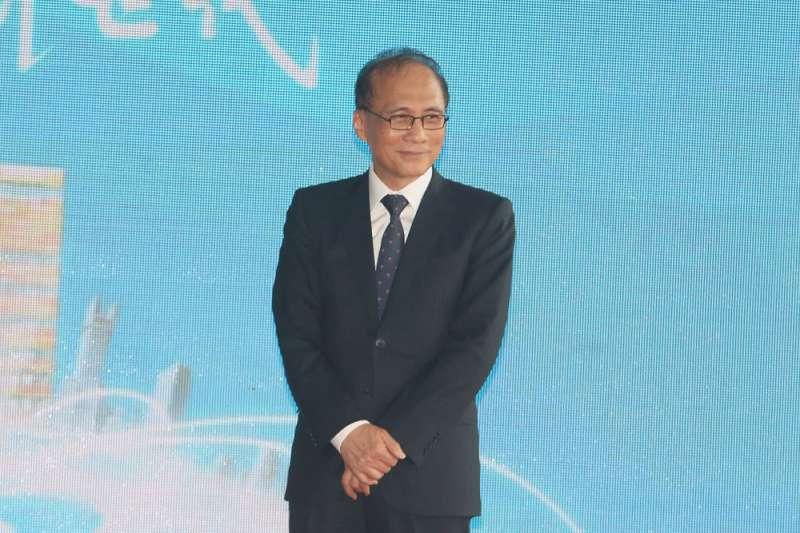 台灣東洋董事長林全親上火線說明,並沒有讓BNT疫苗破局事件畫下休止符,反而引起了疫情指揮中心與台灣東洋之間更多的紛爭。(柯承惠攝)