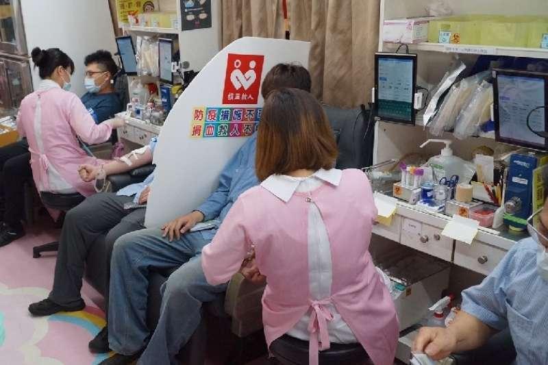 中油石化事業部發起今年第四場的捐血活動,號召員工及鄉親挽袖捐熱血。(圖/中油石化部提供)