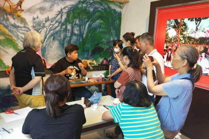 「2020屏東博樂狂歡節」用論壇與市集展現地方文化館家族年度經營成果。(圖/屏東縣政府提供)