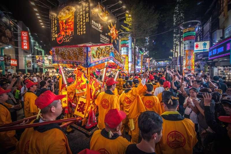 臉書粉絲專頁聲量看政治分析,作為台北市的大家長,台北市長柯文哲負面聲量33.47%排行第二,當地立委林昶佐反而「坦」了最多砲火。(資料照,青山宮文化組提供)