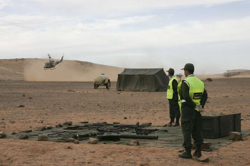 摩洛哥警方在西撒哈拉(撒拉威)被佔領區城市阿尤恩搜出武器(資料照,AP)