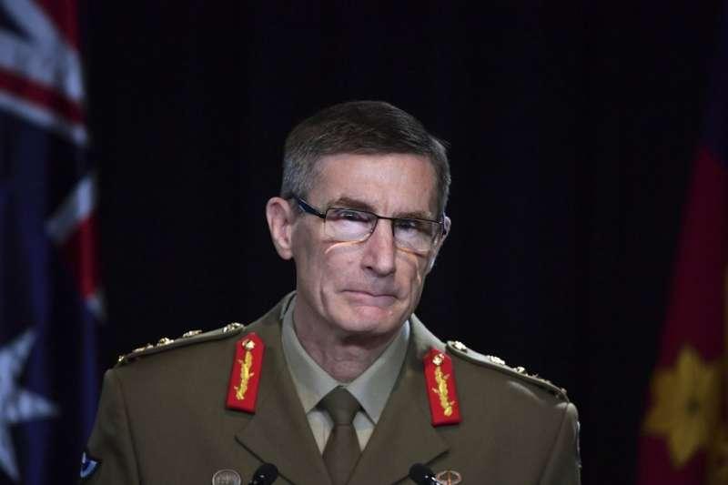 澳洲國防軍總長康貝爾19日公布一份震撼國際的調查報告指出,澳洲特種部隊戰士自2009年起犯下一系列戰爭罪。(AP)
