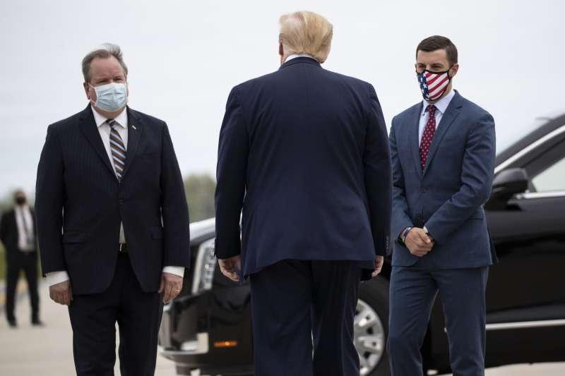 2020年美國總統大選,川普連任失敗但拒絕認輸,11月20日急召密西根州共和黨領袖到白宮開會(AP)
