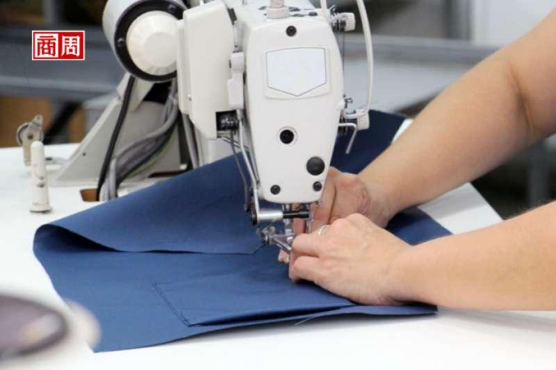 多數紡織廠都是製造起家,冠星卻是一起步,就打定主意發揮「人脈」優勢。(圖/ 商業周刊提供)