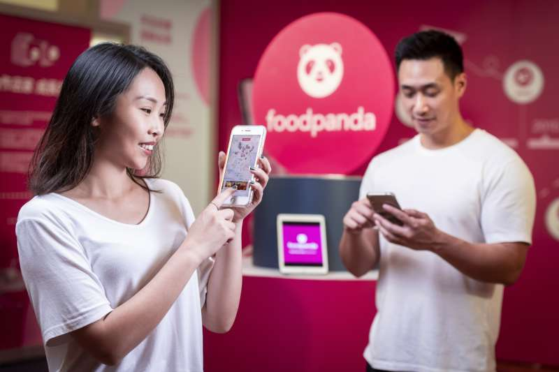 foodpanda合作商家數逼近7萬,今年用戶較去年同期成長160%,重度使用者有年輕化趨勢。(foodpanda提供)