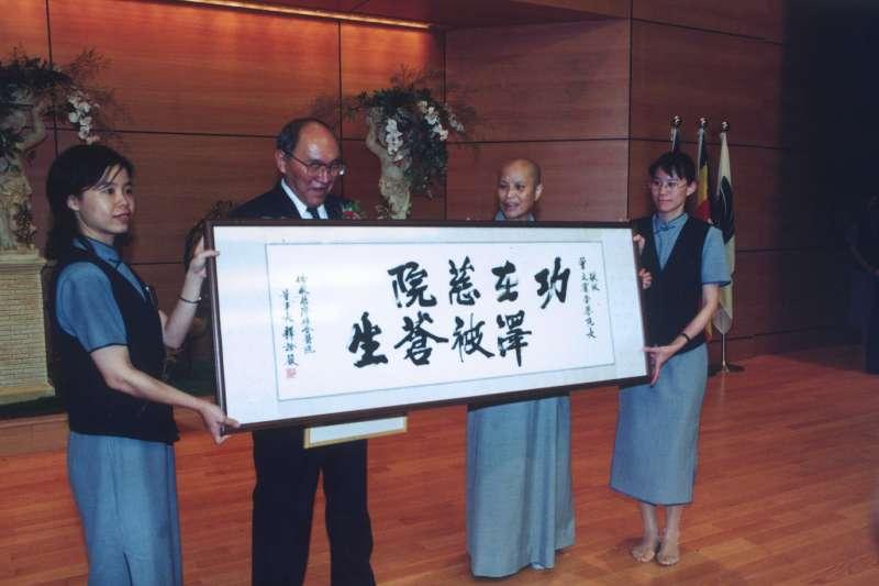花蓮慈濟醫院榮譽院長曾文賓於22日逝世。(圖/取自花蓮慈濟醫院@Facebook)