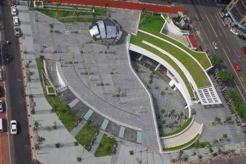 台中草悟道廣場重新委外經營,中市觀旅局希望藉此華麗轉身,成為遊客探索草悟道的起點。(圖/台中市政府提供)