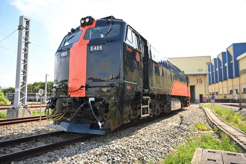 台鐵「鳴日號」觀光列車經營權由雄獅集團拿下,首發將選在跨年夜。(雄獅提供)