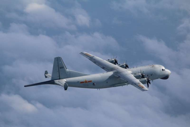 空軍司令部今日稍早發布訊息,證實中共一架運-8反潛機在我西南防空識別區內現蹤。(空軍司令部提供)