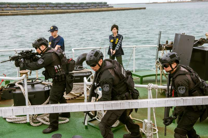 海巡署偵防分署與中信反毒教育基金會合作,聯手推出反毒微電影《海岸騎士》。(海巡署提供)