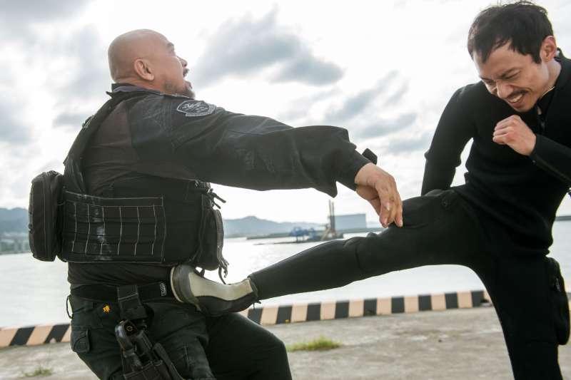 20201126-海巡署偵防分署與中信反毒教育基金會合作,聯手推出反毒微電影《海岸騎士》。(海巡署提供)