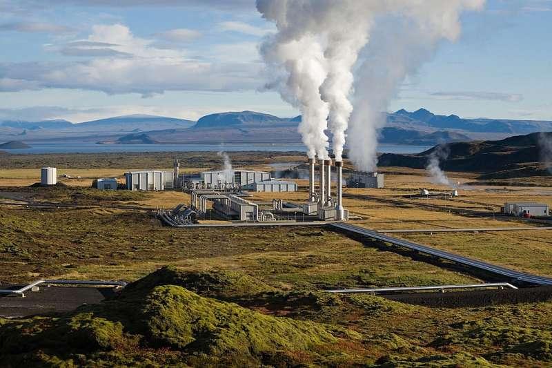 冰島地熱發電站。再生能源。(維基百科公有領域)