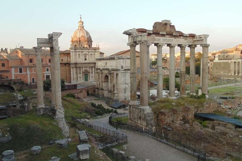 美國遊客「潔絲」歸還的古老大理石塊可能來自義大利的古羅馬廣場(取自Pixabay)