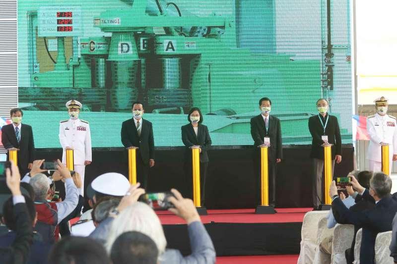 20201126-位於高雄台船碼頭的潛艦國造廠房啟用,代表政策執行正式進入原型艦造艦階段。(蘇仲泓攝)