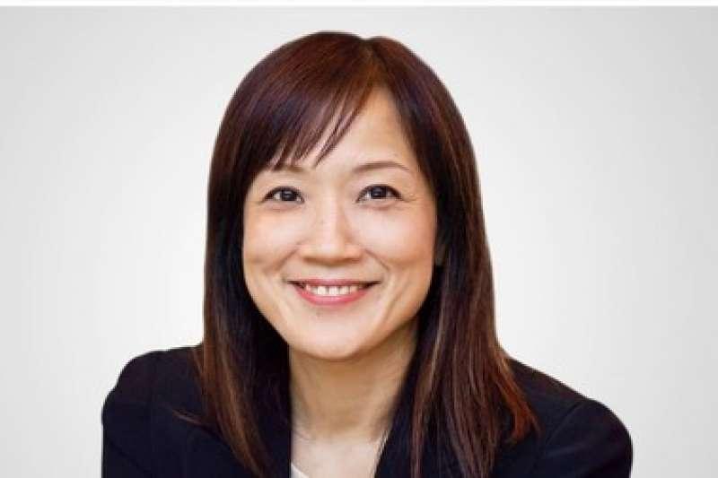 曾為台灣玉女歌手的徐仲薇,即將於明年接手渣打銀行財富管理部門。(圖/翻攝自渣打集團官網)