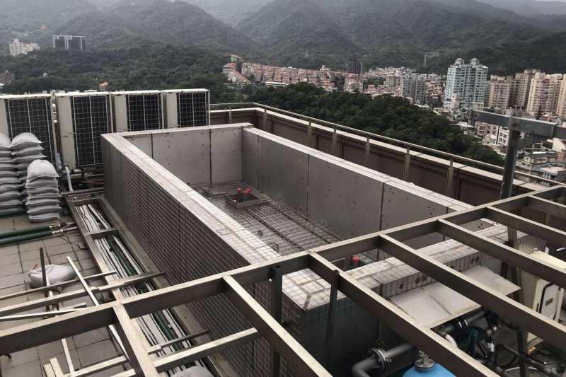 藝人羅志祥被爆出在豪宅頂樓加蓋空中游泳池。(北市建管處提供)