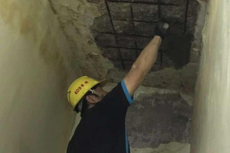 新北工會行善團助弱勢民眾修繕住宅。(圖/新北市勞工局提供)