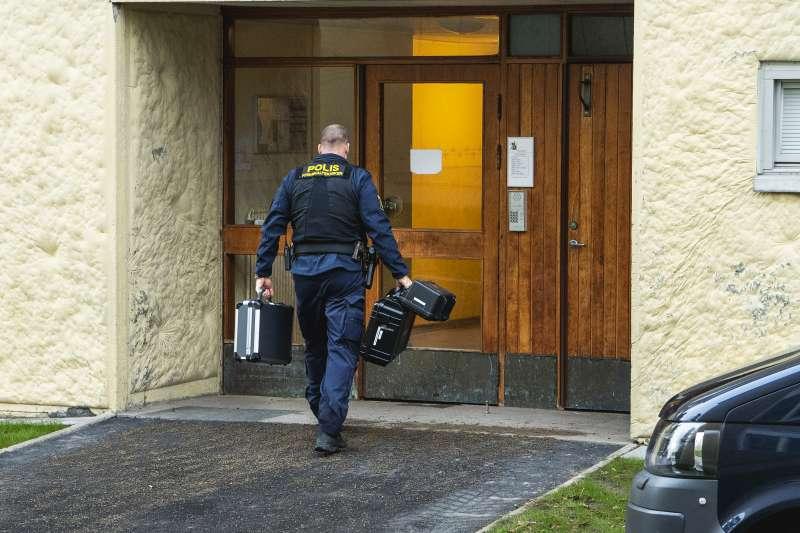 瑞典一名70歲老婦涉嫌將現年41歲的兒子囚禁在公寓長達28年,近日她遭到警方逮捕(美聯社)