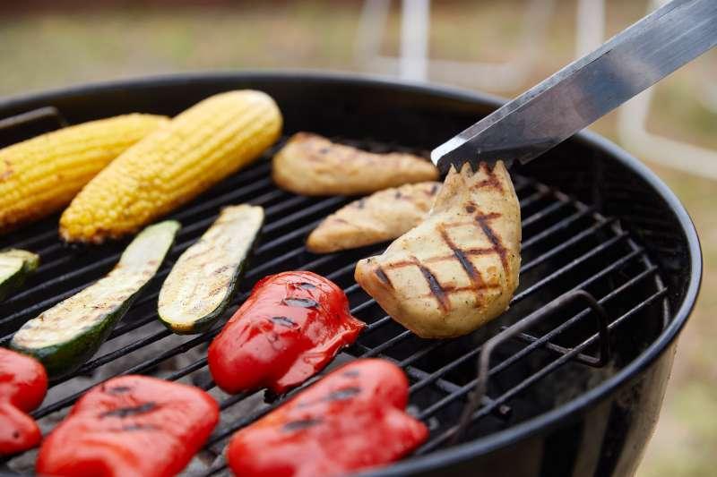 新加坡核准實驗室培養的「人造肉」上市販售,成為全球第一國。(AP)