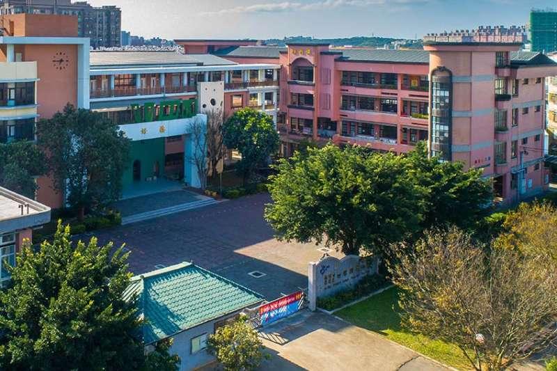 埔心車站發展早,生活圈週遭商家林立,有多所明星學校和公園綠地。(圖/富比士地產王提供)