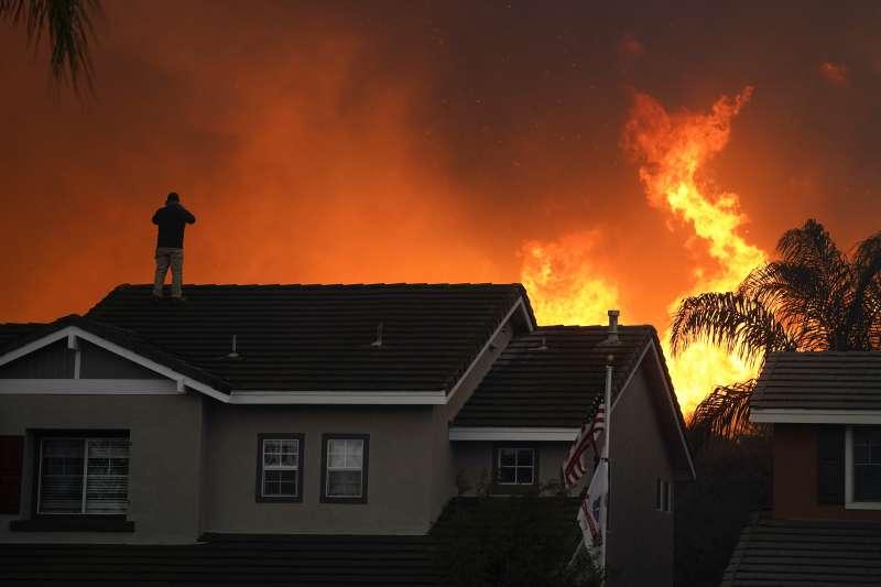 2020年10月,美國加州野火延燒(AP)
