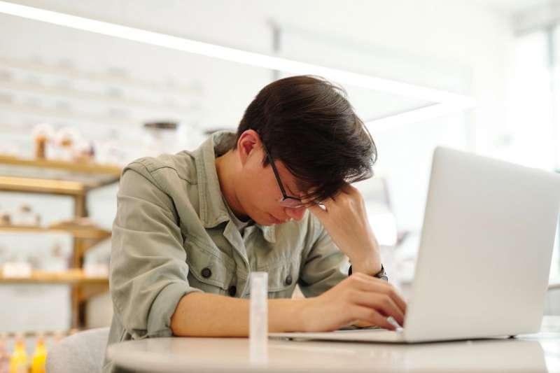 網友熱議的職業倦怠十大症狀,你也中了嗎?(圖/Unsplash)