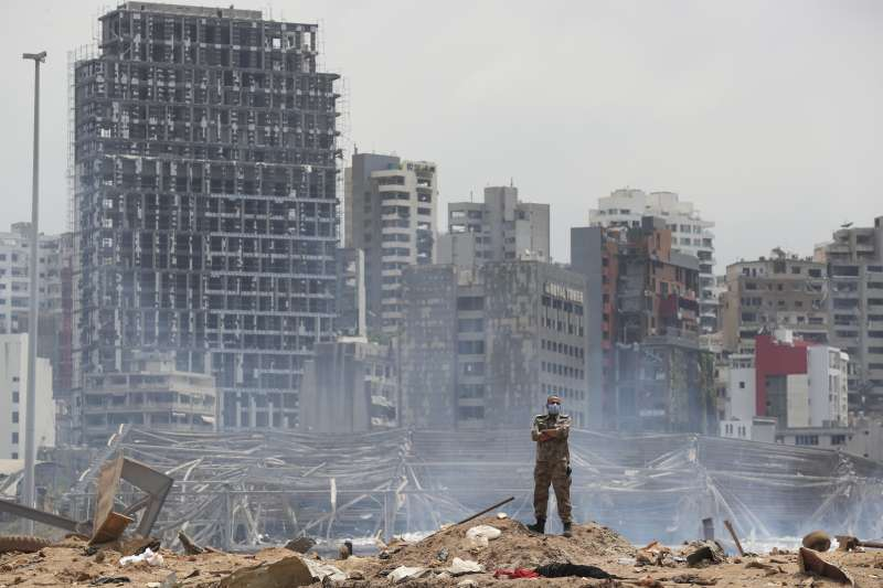 一年多來,黎巴嫩歷經經濟危機、新冠疫情與貝魯特大爆炸,整個國家飄搖欲墜。(AP)