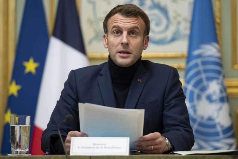 黎巴嫩經濟危機一年多,馬克宏與國際組織呼籲黎國盡快組成新政府、推出改革計劃以獲得國際援助。(AP)