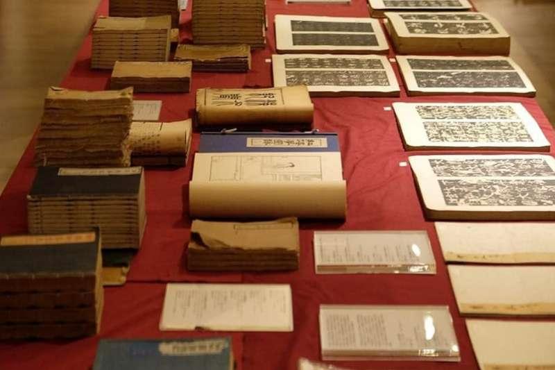「清風似友」台北古書拍賣會,如期在12月13日舉行,預展期為12月11、12日兩天。(作者提供)