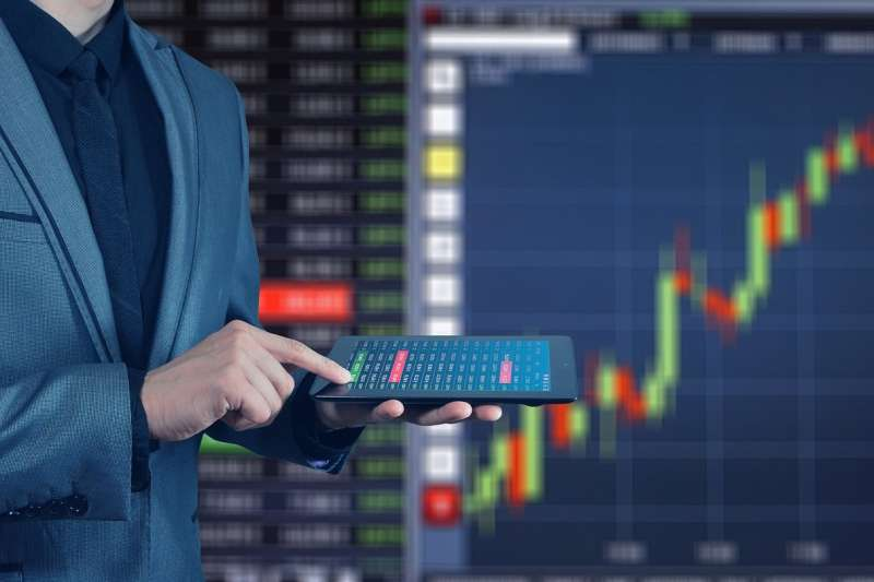 投資者一旦輕易出清手上的持股,日後往往要花更多時間和金錢來補回。(圖/取自Pixabay)