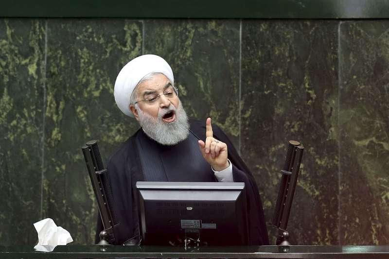 即使核武專家、高階將領被暗殺,伊朗總統魯哈尼(圖)仍表現克制,將焦點放在拜登執政後的政策。(美聯社)