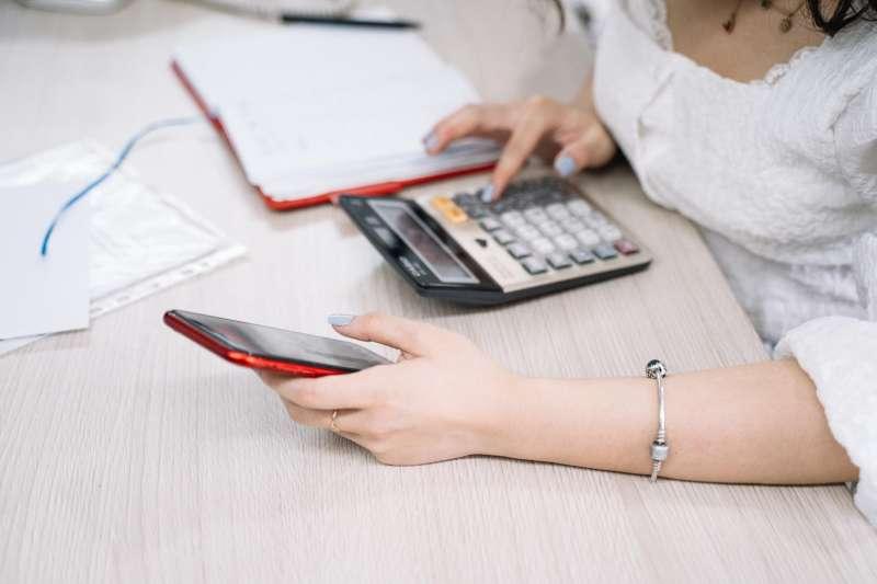 想透過保單節稅要留意,小心省錢不成還受罰!(圖/取自Pexels)