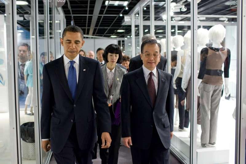 美國前總統歐巴馬與中國前總理溫家寶。(圖/取自flickr)