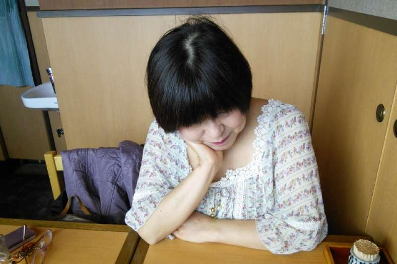 研究指出,經常久坐的停經婦女,罹患心臟衰竭的風險較高。(圖/photoAC)