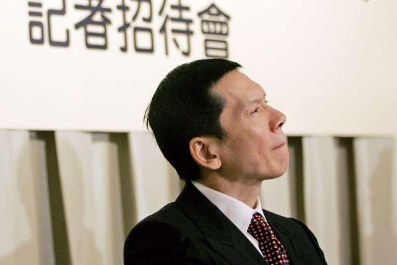 香港影視大亨向華強(見圖)及長子向佐日前申請來台依親居留,內政部移民署25日駁回申請。(資料照,美聯社)
