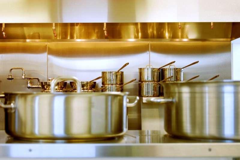 鋁鍋容易引起失智症?專家:把握3不原則使用更放心。(圖/Unsplash)