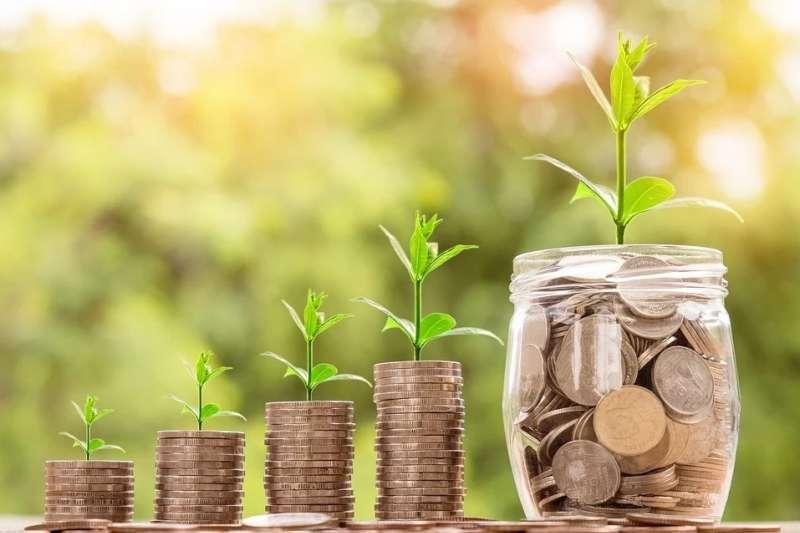 小資族除了工作領薪水之餘,該如何替自己加薪?(示意圖/取自Pixabay)