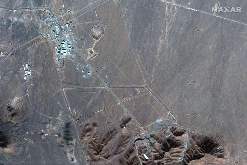 2020年12月18日曝光的衛星照片,顯示伊朗政府正在佛爾多(Fordo)與建核子設施(AP)